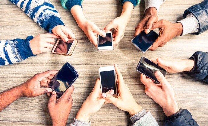 Cep Telefonlarının Serbest Dolaşıma Giriş İşlemlerini Gerçekleştirmeye Yetkili Gümrük Müdürlükleri Belli Oldu.